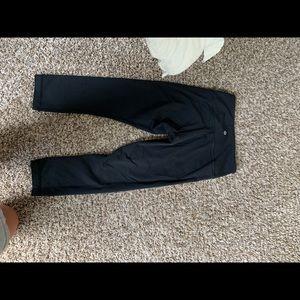 Black crop wunder under lululemon leggings